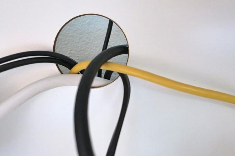 Kabel Verstecken 7 Einfache Moglichkeiten Wohn Wiki De